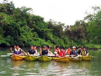 沖縄の修学旅行で一番人気のカヤック体験